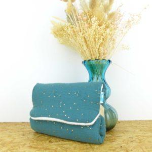 tapis-à-langer-bleu